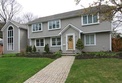 Lynnfield Single Family Home For Sale: 2 Locksley Rd
