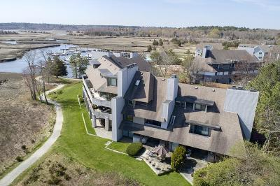 Scituate Condo/Townhouse Contingent: 32 Ladd's Way #32