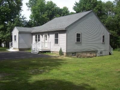 Bellingham Single Family Home For Sale: 32 Roger St