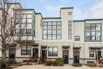 Boston MA Condo/Townhouse Under Agreement: $515,000