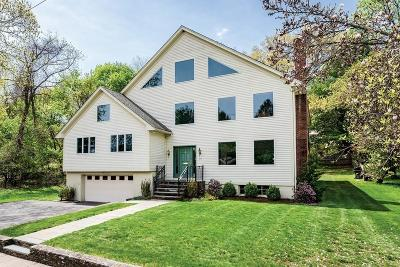 Single Family Home Contingent: 27 Scotney Rd