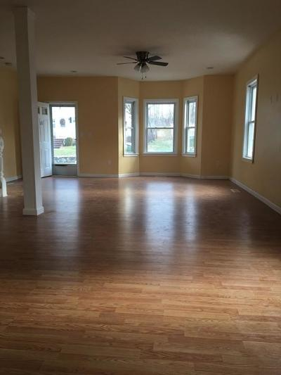 Woburn Rental For Rent: 35 Garfield Ave #1