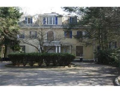 Milton Condo/Townhouse Under Agreement: 29 Woodmere Drive #18