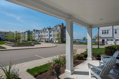 Hingham Condo/Townhouse For Sale: 137 Whitaker Lane #137