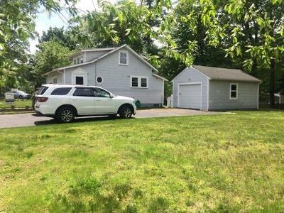 East Bridgewater Single Family Home For Sale: 83 Hillcrest Rd
