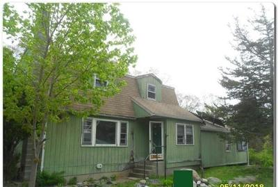 Gloucester MA Single Family Home For Sale: $213,500