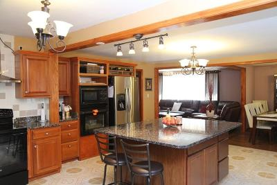 Saugus MA Single Family Home For Sale: $565,000