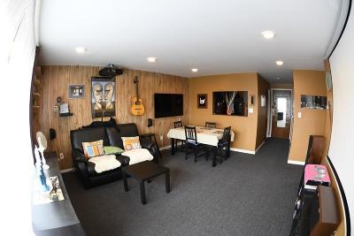 Boston Condo/Townhouse For Sale: 175 Clare Ave #E7