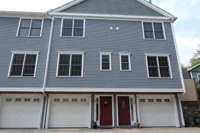 Wakefield Condo/Townhouse Under Agreement: 894 Main St #9