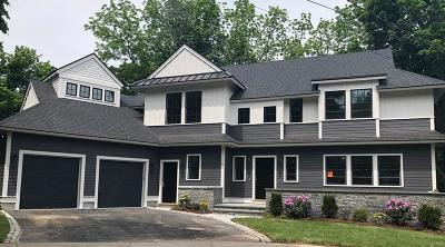 Newton Single Family Home For Sale: 15 Inis Cir