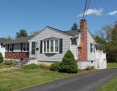 Waltham Single Family Home For Sale: 33 Leitha Drive