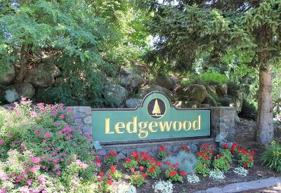 Peabody Condo/Townhouse Under Agreement: 11 Ledgewood Way #26