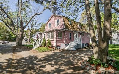 Saugus MA Single Family Home For Sale: $429,000
