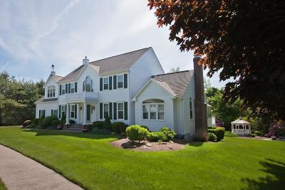 Hingham Single Family Home For Sale: 11 Langlee Road