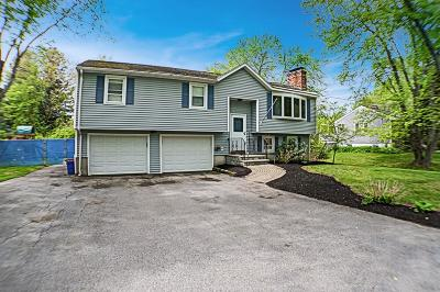 Methuen Single Family Home Contingent: 183 Bay State Rd