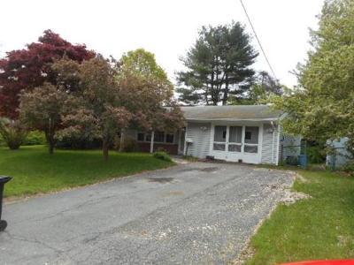 Brockton Single Family Home For Sale: 95 Royal Rd