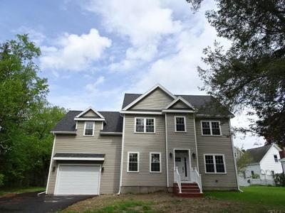 Lynnfield MA Single Family Home Under Agreement: $749,900
