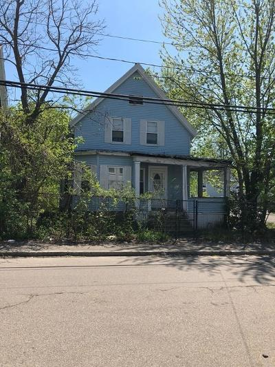 Brockton Single Family Home For Sale: 34 Davids St
