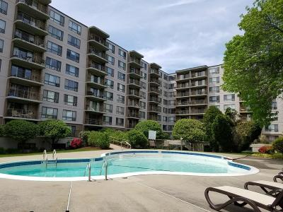 Watertown Condo/Townhouse For Sale: 125 Coolidge Ave #311