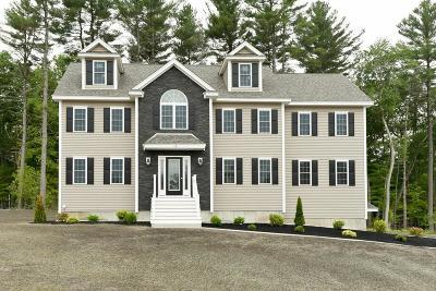 Billerica Single Family Home For Sale: 18 Fieldstone Lane