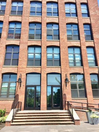 Boston MA Condo/Townhouse New: $599,000