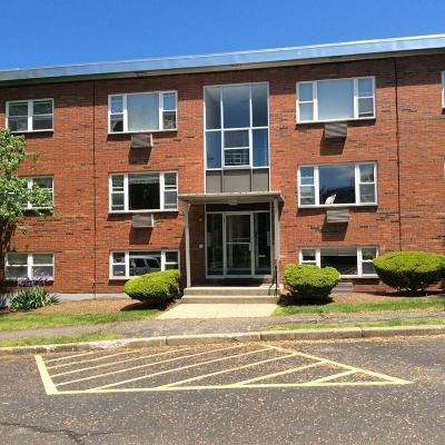 Waltham Condo/Townhouse Under Agreement: 1105 Lexington #4-4