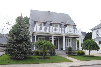 Fall River Single Family Home For Sale: 835 Hanover Street
