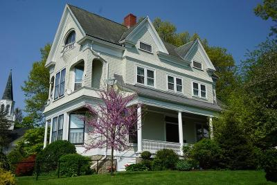 Fall River Single Family Home For Sale: 527 Rock Street