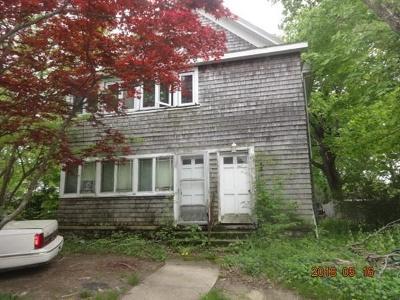 Middleboro Multi Family Home For Sale: 212 Wareham St