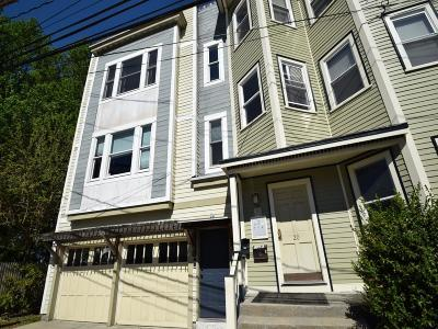 Condo/Townhouse Under Agreement: 24 Merriam St #2