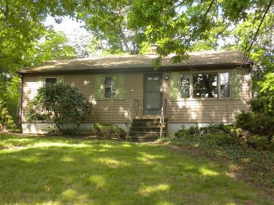 Attleboro Single Family Home For Sale: 19 Hanisch Rd