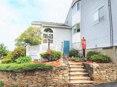 Quincy Condo/Townhouse Contingent: 140 Quincy Ave #4
