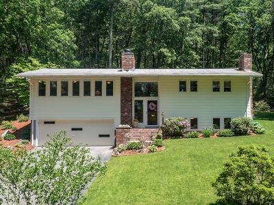 Framingham Single Family Home For Sale: 25 Nixon Rd