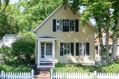 Wellesley Single Family Home For Sale: 30 Cottage St