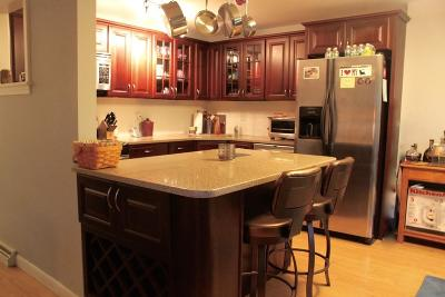 Ashland Condo/Townhouse Contingent: 309 Meeting House Path #309