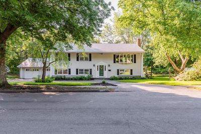 Braintree Single Family Home For Sale: 54 Geraldine Lane