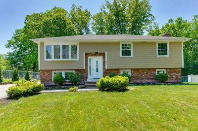 Burlington Single Family Home Under Agreement: 407 Cambridge Street