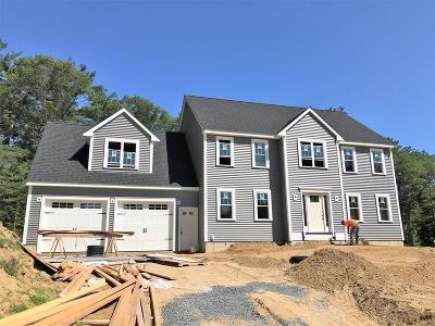 East Bridgewater Single Family Home For Sale: 10 Lynn-Lee Terrace