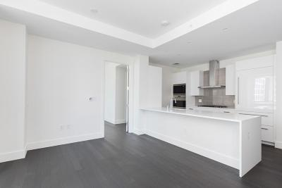 Condo/Townhouse Under Agreement: 50 Liberty Drive #8H