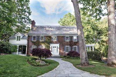 Wellesley Single Family Home For Sale: 22 Edmunds Rd