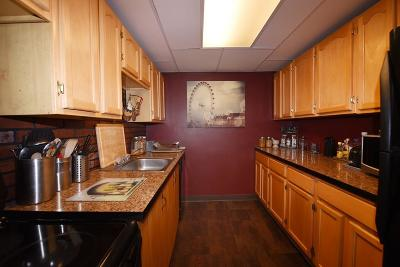 Weymouth Condo/Townhouse Contingent: 61 Broad Reach #M11B