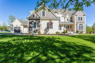 Mansfield Single Family Home For Sale: 15 Marie Dr