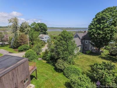 Ipswich Single Family Home Contingent: 1 Seaview Road