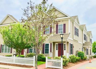 Medford Condo/Townhouse For Sale: 215 Harvard St #1