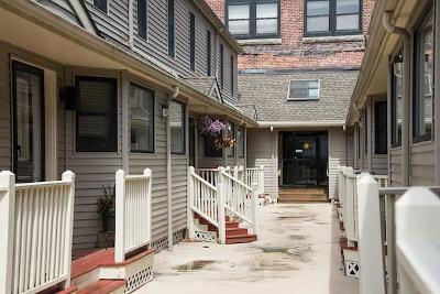 Gloucester Condo/Townhouse For Sale: 33 Maplewood Ave #19