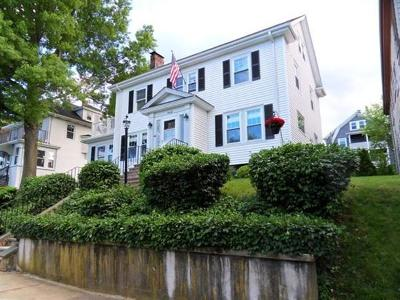 Single Family Home Under Agreement: 70 Russett Rd
