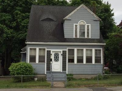 Braintree Single Family Home Under Agreement: 125 Hayward St