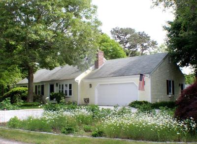 Barnstable Single Family Home For Sale: 85 Knowlton Ln