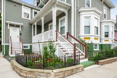Condo/Townhouse For Sale: 18 Laurel #B