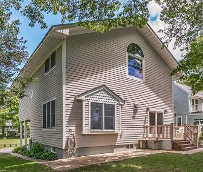 Bourne Single Family Home For Sale: 19 Pocahontas Rd.